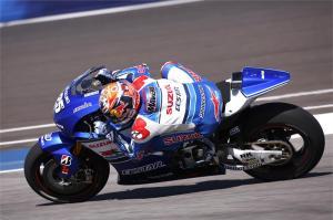 MotoGP: Beginilah Bentuk Knalpot Akrapovic yang Nemplok di Suzuki GSX-RR