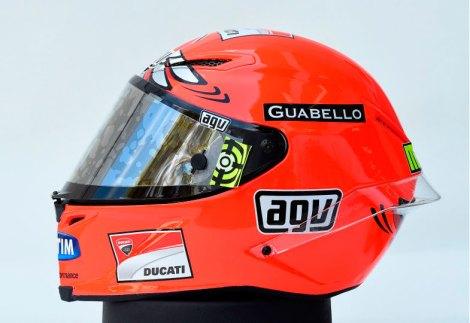 Detail-Helm-AGV-Pista-GP-Iannone-Mengenang-Burung-Camar-Australia-05-Pertamax7.com_.jpg