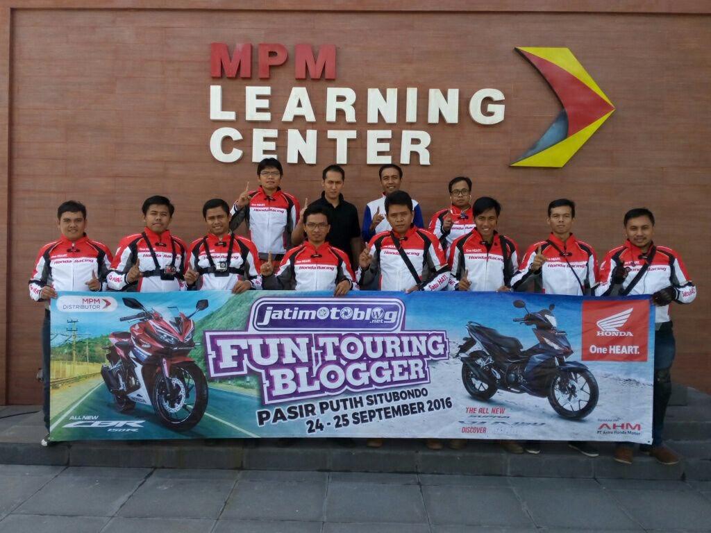 'Fun Touring' Blogger bareng MPM Honda Sambangi Pantai Pasir Putih Situbondo (Part 1)