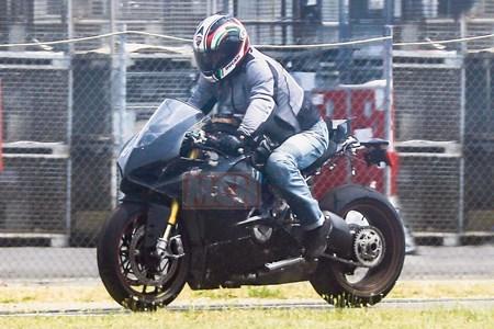 ducati-v4-superbike-006.jpg