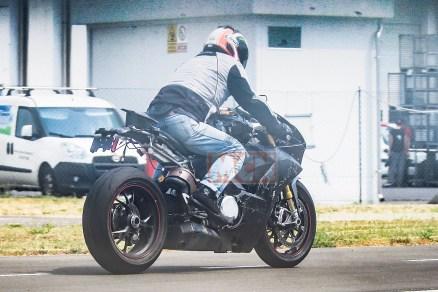ducati-v4-superbike-010_1.jpg