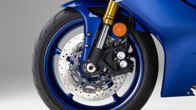 Suspensi-dan-Rem-Yamaha-R6-versi-2017-Motomazine.com