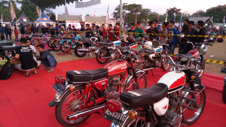 4th Anniversary Honda CB Ponorogo Sukses Datangkan Ribuan Biker