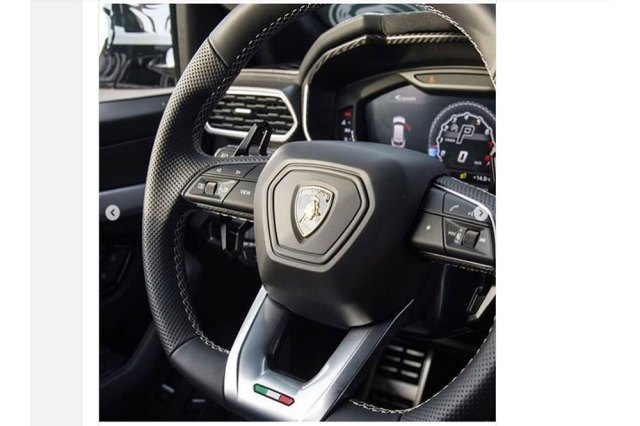 Lamborghini-Urus-SUV-Interior-Leak-2