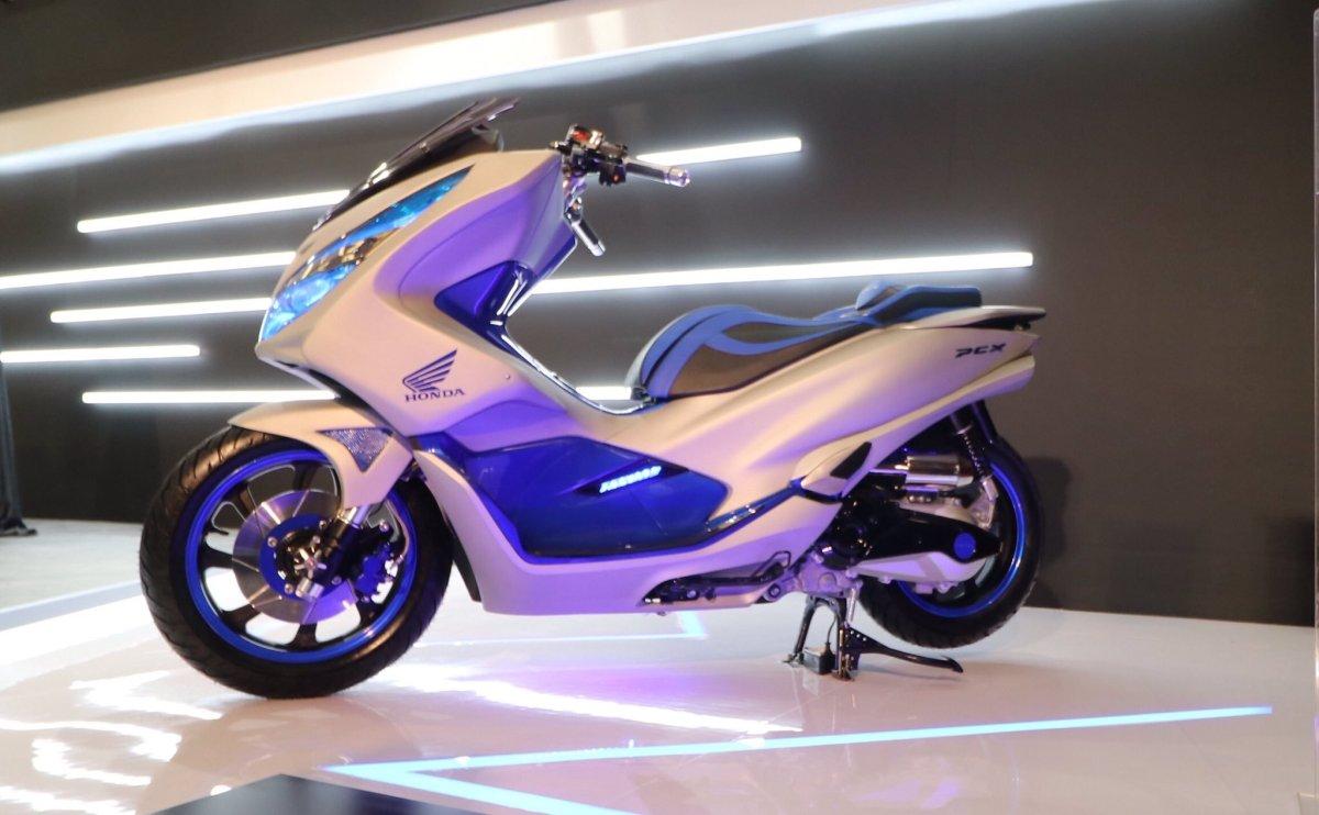 Inspirasi Modifikasi All New Honda PCX150 ala AHM. Seneng yang Mana SampeanCak?