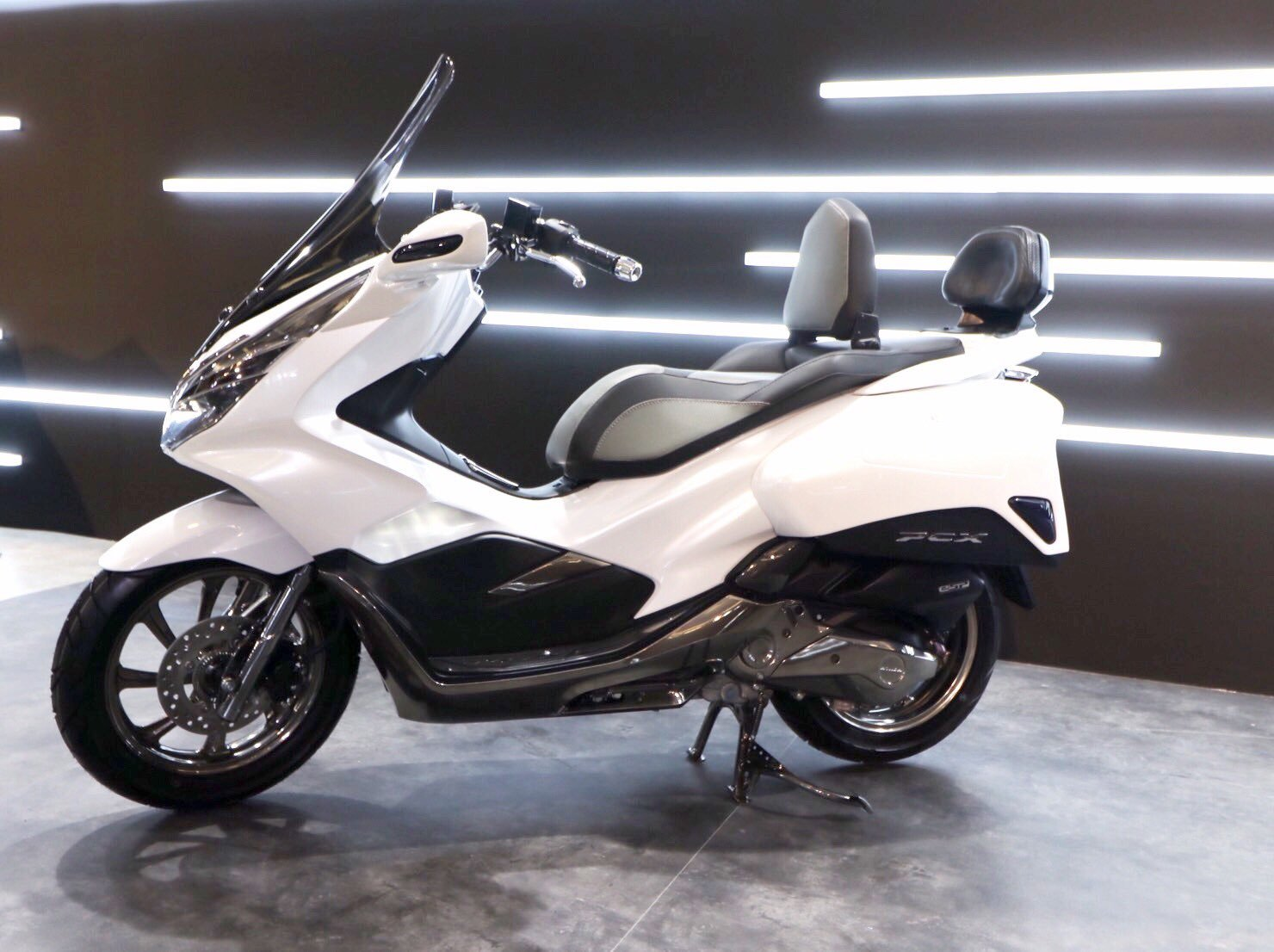 Inspirasi Modifikasi All New Honda PCX150 Ala AHM Seneng Yang Mana