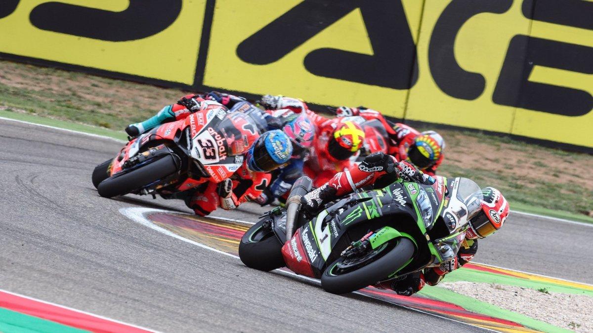 Jonathan Rea Kembali Bawa Kawasaki Juara Race 1 WSBK Assen. Disusul Van der Mark danDavies
