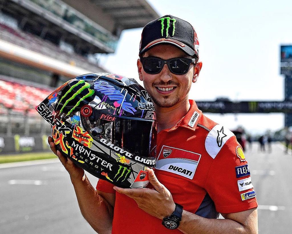 Jelang MotoGP Catalunya Lorenzo Pamer Desain Helm Baru. KingMugello?