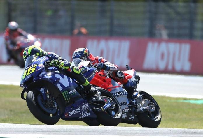 Bukan Solusi, tapi Kata Maaf yang Yamaha berikan buat Rossi dan Vinales.Weleh?