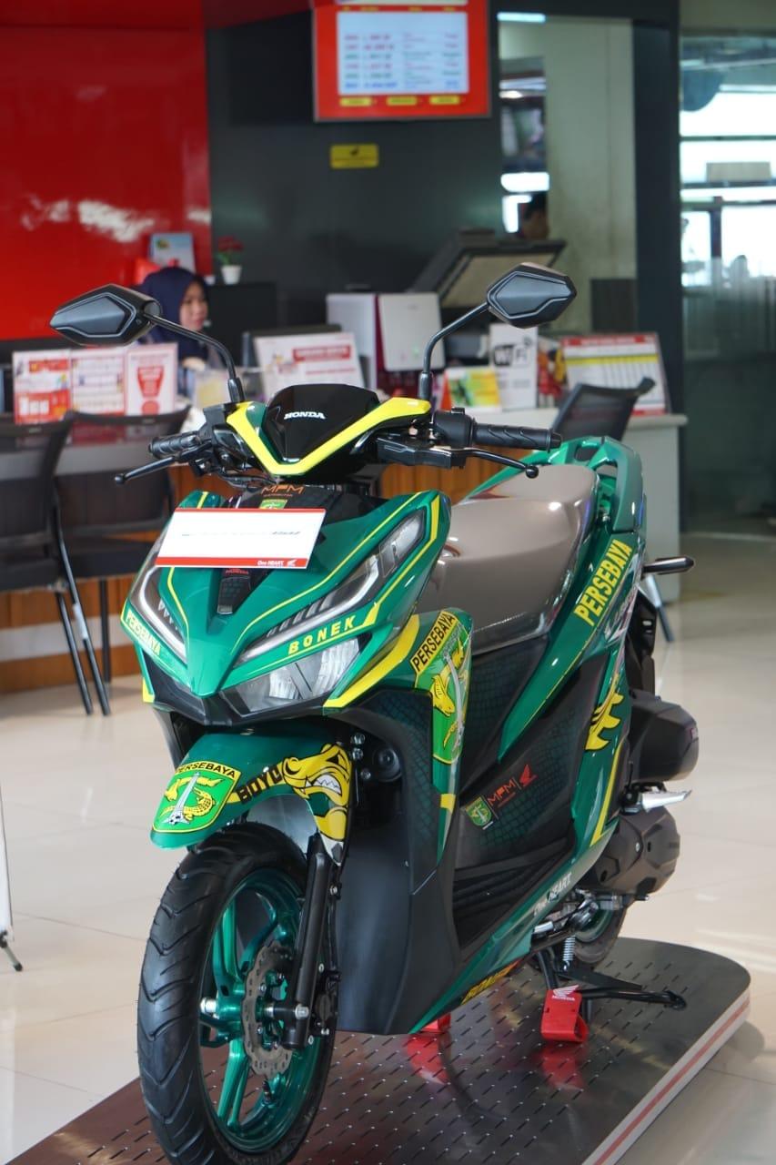 Honda Vario 150 Spesial Livery Persebaya Resmi Terjual Seharga Rp 29 Juta.   Hasil Lelang disumbangkan untuk Legenda GreenForce!