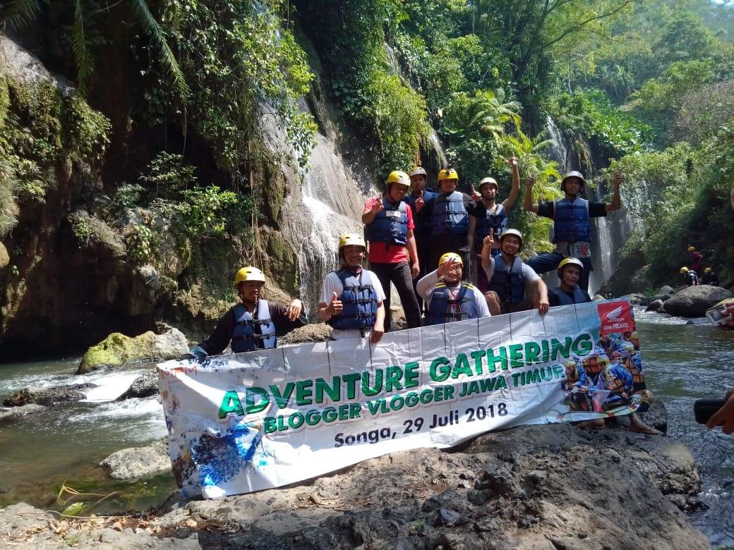 Blogger Vlogger Gathering Bareng MPM, Rafting Songa Bikin Kami Kelabakan di BawahPerahu