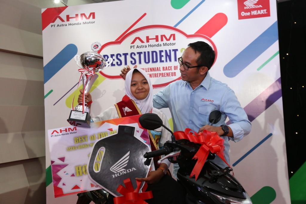 The Millenial Race of Young Enterpreneur 2018, Ajang AHM Ciptakan Best Student WirausahaKekinian